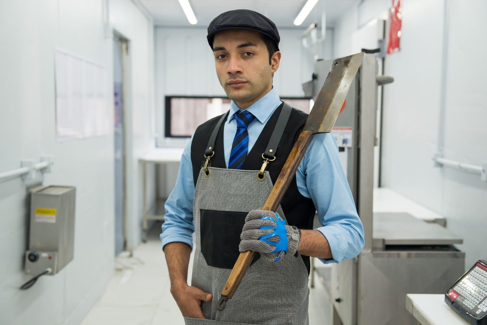 """Jhonatan Mayer, o """"Jhow Butcher"""": o tempero pode ser de primeira, o equipamento pode ser caro, mas se a carne não for boa, o churrasco também não vai ser."""