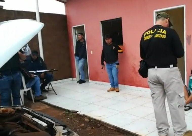 Policiais paraguaios prenderam seis brasileiros suspeitos de participação nos assassinatos de quatro pessoas no último sábado (09).
