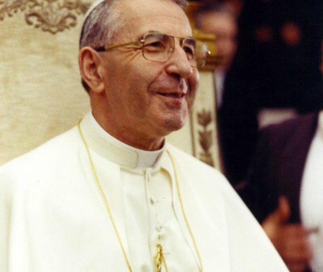 O italuano Albino Luciani se tornou em agosto de 1978; João Paulo I teve um milagre reconhecido e será beatificado