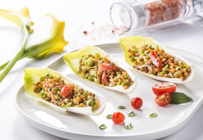 A sugestão de entrada da chef Flavia Montrucchio, da Annapurna Gastronomia, é uma salada de grãos integrais. Foto: Leticia Akemi/Gazeta do Povo