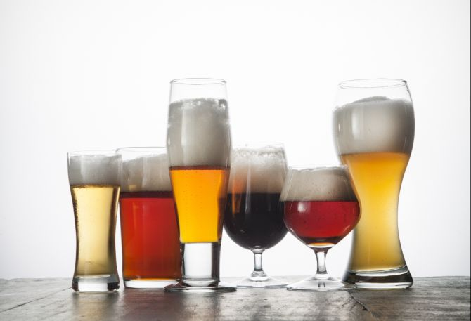 Bebidas serão vendidas em copos de 300 ml ou 400 ml. Imagem ilustrativa. Foto: Alexandre Mazzo/Gazeta do Povo