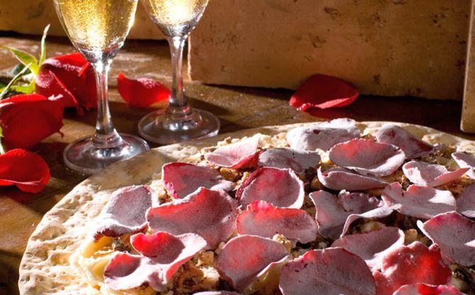 Pizza de rosas. Foto: Divulgação