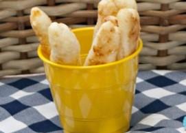 Palitos ou bolinhas de queijo