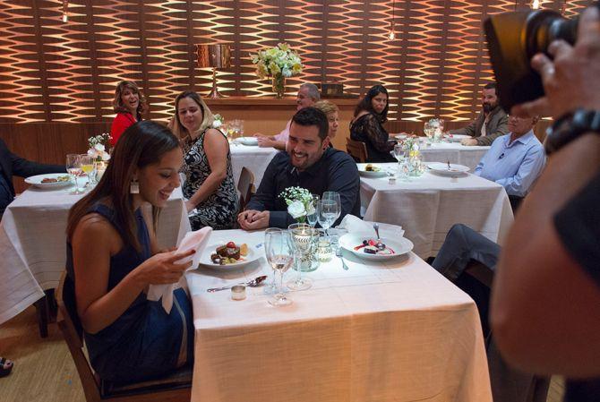 Luiz Paiva de Oliveira pede Jéssica Regina em casamento. Ela aceitou!