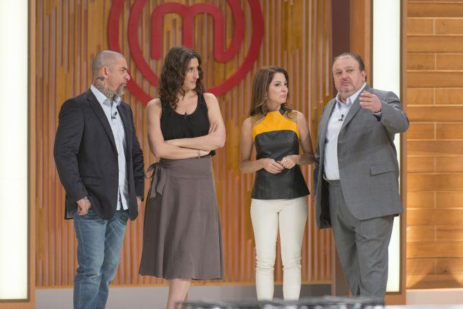 Os jurados do MasterChef com a apresentadora Ana Paula Padrão. Foto: Divulgação