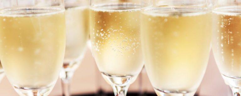 champagne taças Foto: Bigstock.