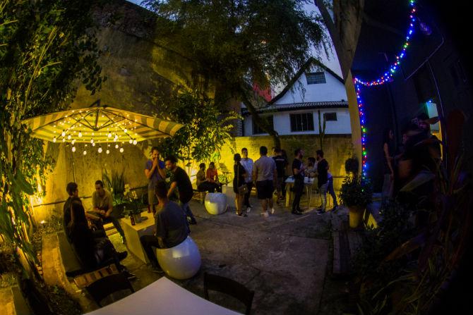 Quintal do Arad Tailor Bar. Foto: Divulgação/Daniel Andrade.