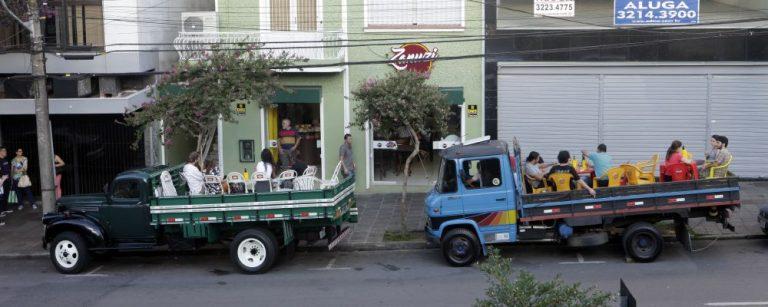 mesas caminhão bar caxias do sul