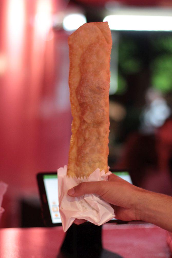 Pastel de calabresa da pastelaria Flango. Foto: Divulgação