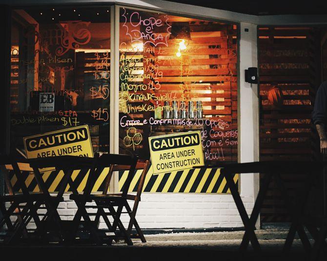 Under Construction é o nome provisório do bar Spirits, focado em coquetelaria. A reforma começará em breve. Foto: Divulgação