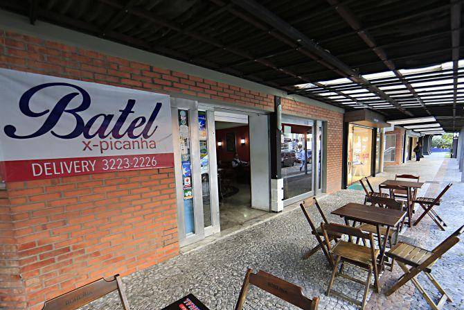 O Batel X-Picanha é o mais antigo dos bares e lanchonetes do Hauer Shopping, aberto em 1999. Foto: Albari Rosa/Gazeta do Povo