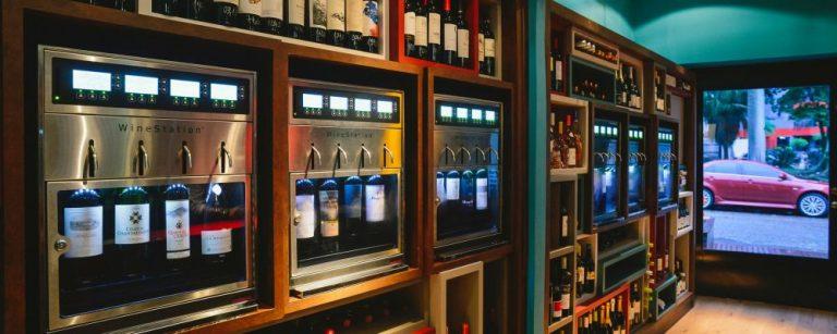 Conheça dois pubs de vinho que aquecem a noite de Floripa