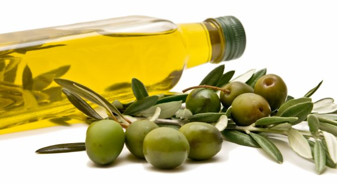 Quanto mais fresco o azeite de oliva, mais saboroso e rico em aromas e notas. Foto: Bigstock