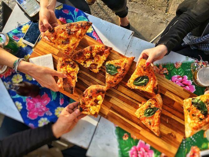 Todos os ingredientes utilizados nas pizzas do Maçã são orgânicos e de produtores locais. Foto: Divulgação.