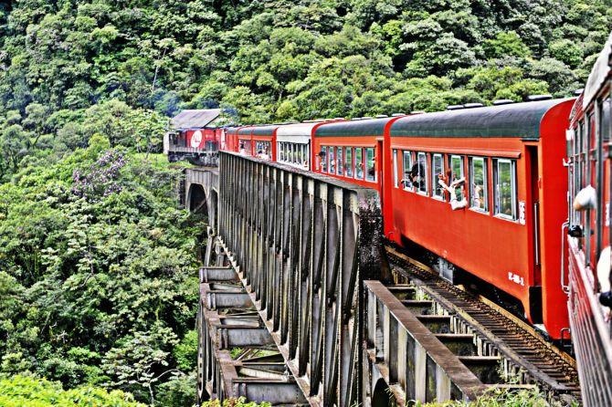 Beer Train é um passeio de Curitiba a Morretes com degustação de rótulos especiais. Foto: Divulgação