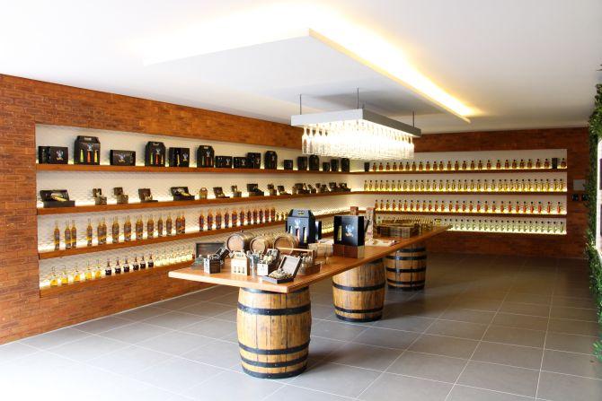 Cachaçaria Companheira inaugura nova loja de fábrica e lança e-commerce