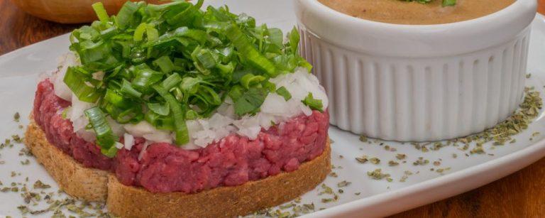 Carne de onça, chineque, coxinha, cachorro-quente, pastel e sonho são as seis categorias do Sabor Polular.