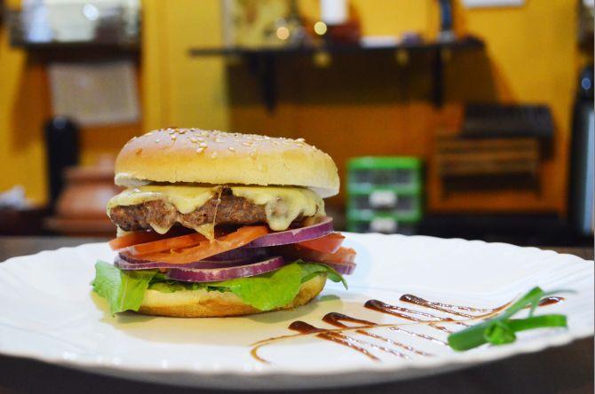 Classic Salad Burger. Foto: Divulgação
