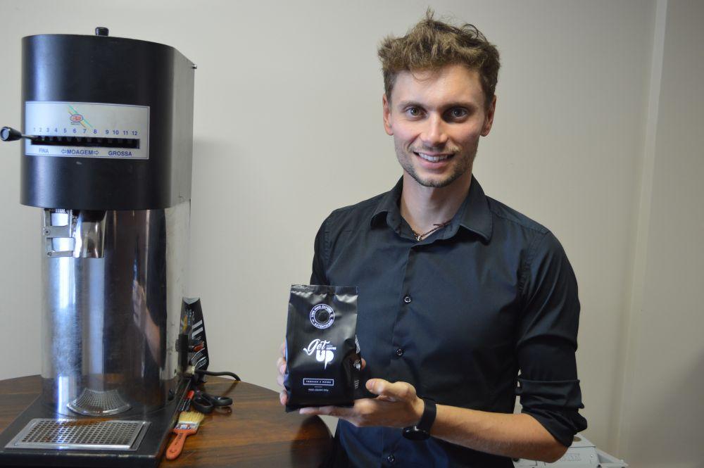 A concentração do Get Up Coffee, criado pelo barista Guilherme Minozzo, é de 112 mg de cafeína para uma xícara de água (de 60 ml). Foto: Divulgação