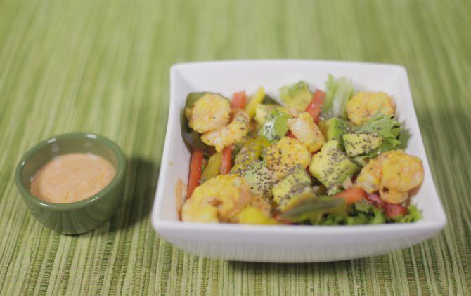 Salada Funcional de Abacate com Camarão