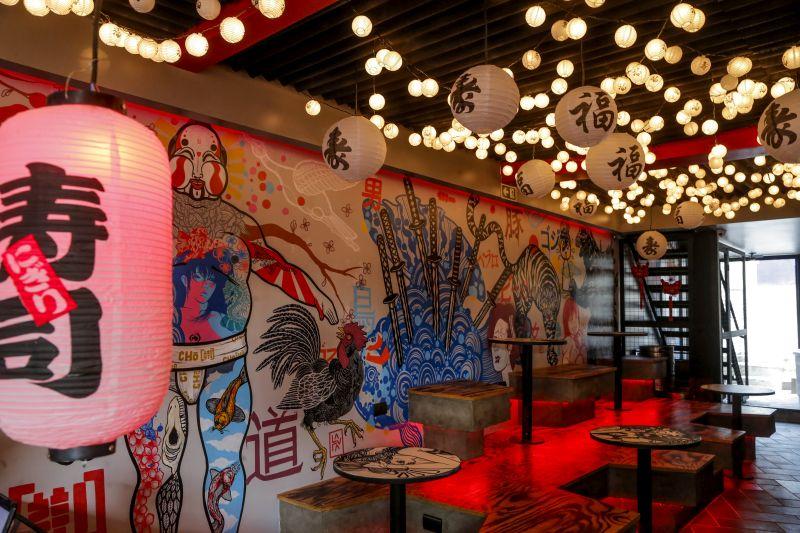 Novo bar oriental de Curitiba lança em Curitiba um sushi em formato de burrito