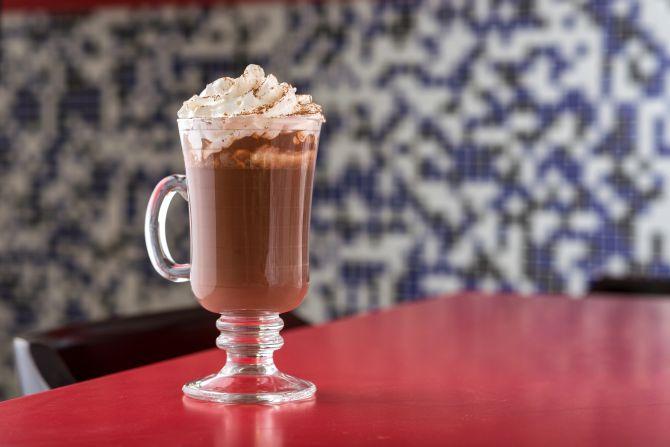 Chocolate quente com conhaque