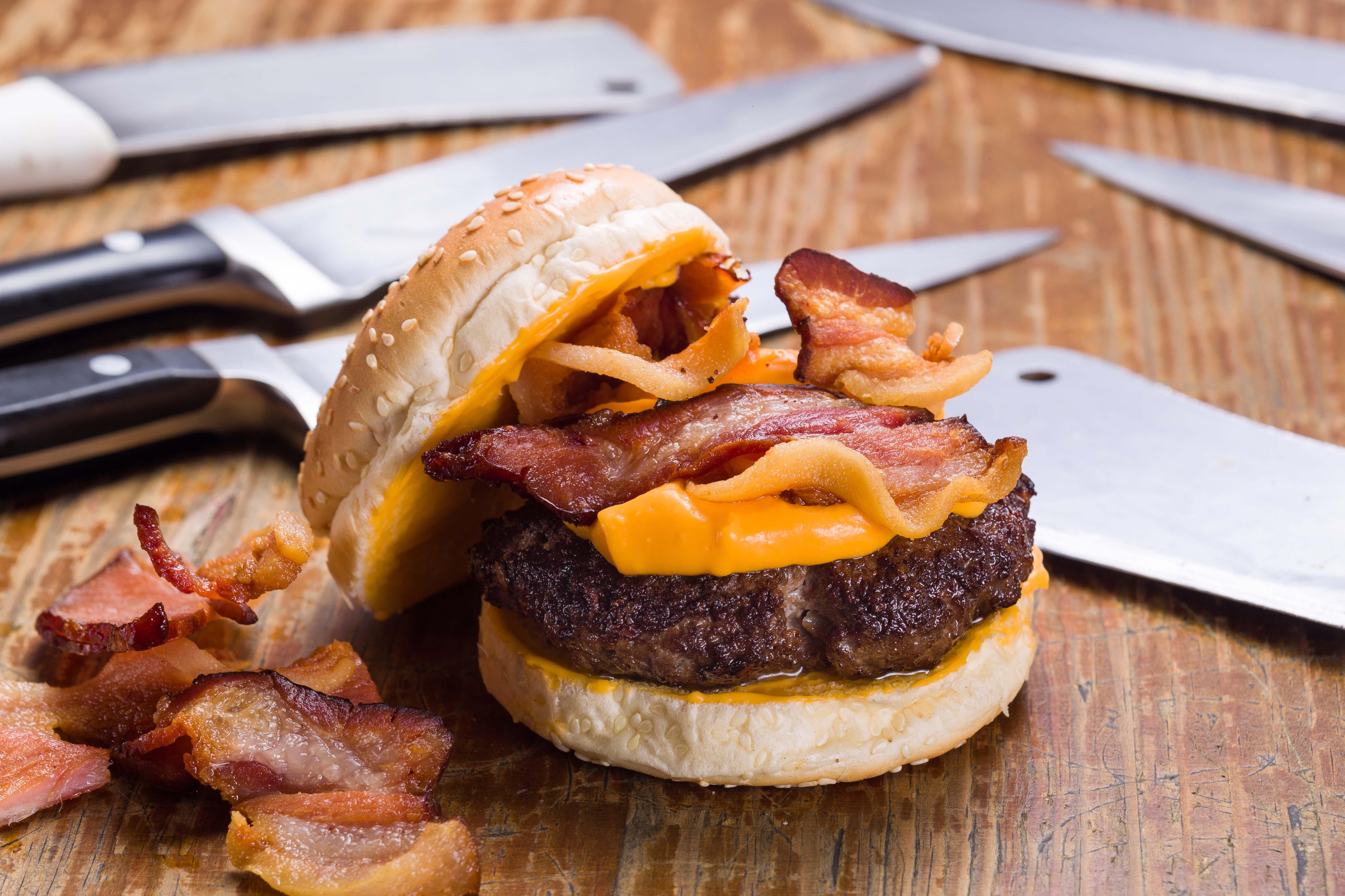 Hambúrguer com bacon do Porks Burguer. Foto: Divulgação