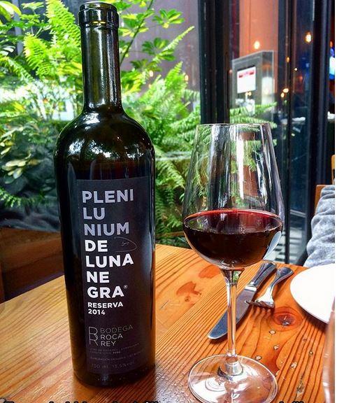 Plenilunium Luna Negra, rótulo premiado da Bodega Del Rey. Foto: Reprodução/Instagram.