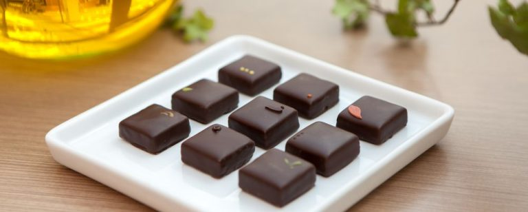 Mãe e filha abrem doceria especializada em chocolate com azeite de oliva