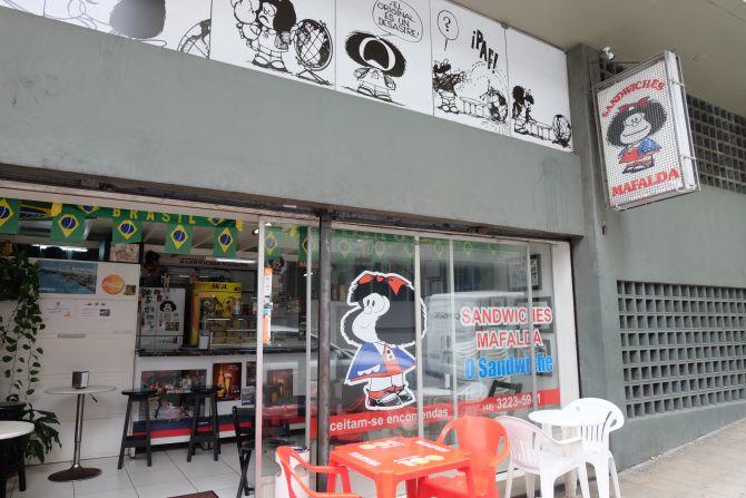 Público eclético frequenta a lanchonete funciona desde 1981. Foto: Aline Torres