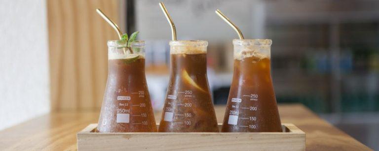 Fotos dos três tipos de espresso com tônica praparado no Café do Moço . Local: Rua Moysés Marcondes, 609 - Juvevê.
