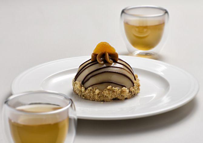 Torta de castanha com damasco da Grué Chocolateria. Foto: Alexandre Mazzo/Gazeta do Povo