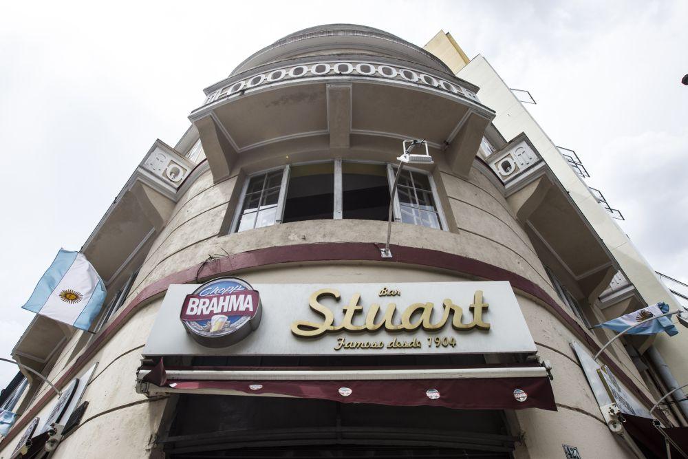 Bar Stuart. Foto Brunno Covello / Gazeta do Povo.