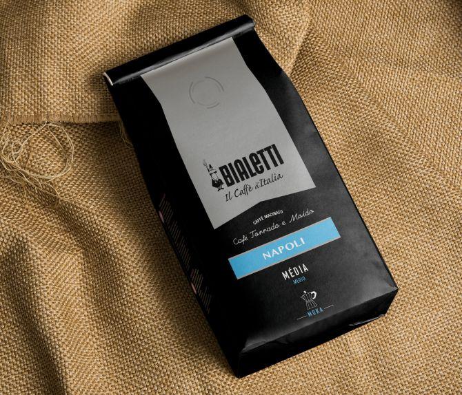 O café Napoli pode ser comprado em dois tipos de moagem: para a cafeteira italiana, a moka, e para métodos filtrados.