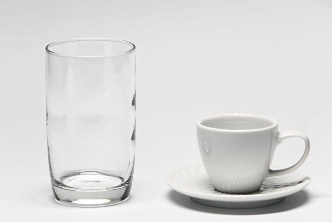 O dosador pode ser substituído por uma xícara pequena de café ou um copo tradicional. Foto: André Rodrigues / Gazeta do Povo