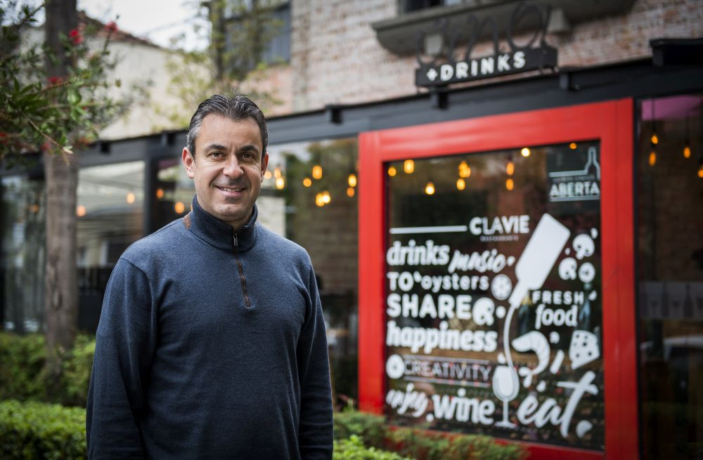 Primeiro restaurante dele, o C La Vie surgiu como uma adega em 2002. Foto: Letícia Akemi/Gazeta do Povo.