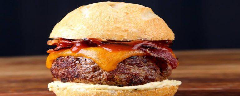 17 receitas fáceis de hambúrguer (com opções sem carne)