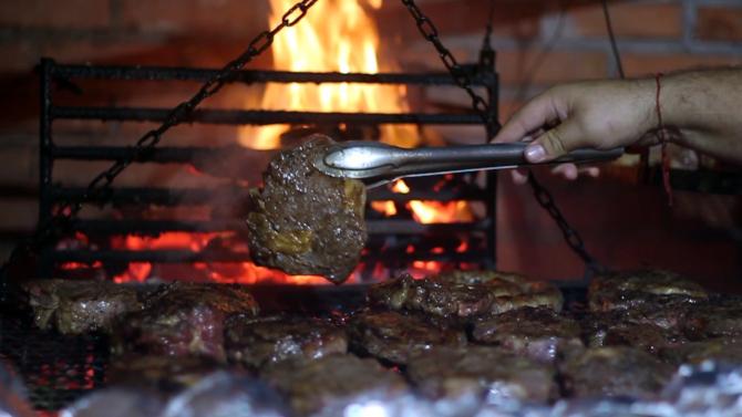 Florianópolis, Santo Antônio Parilla, carnes das grelhas uruguaias. Foto: divulgação