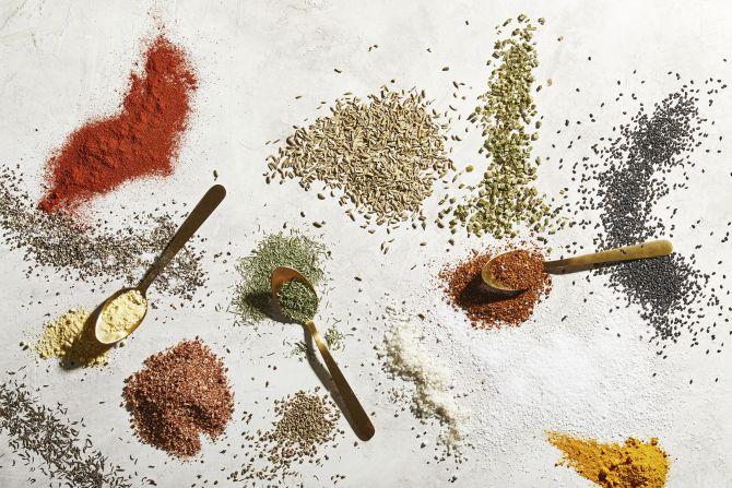 Blends de temperos feitos em casa costumam ser mais frescos que os comprados nas lojas. Foto: Tom McCorkle/ The Washington Post