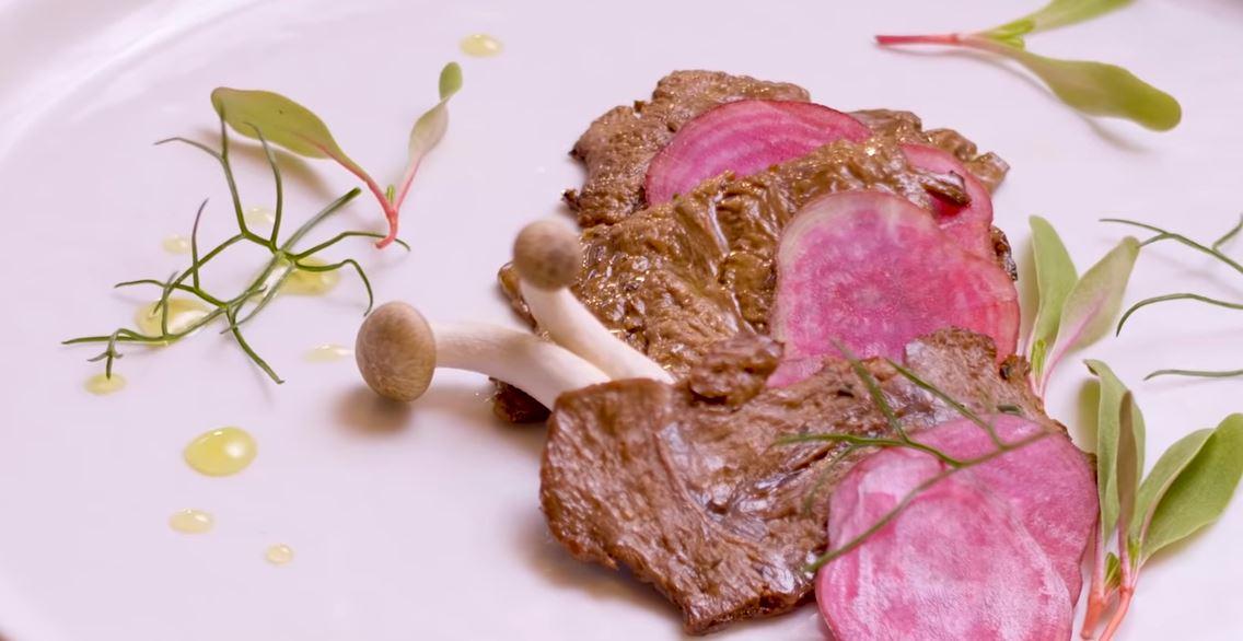 Primeiros resultados da Aleph Farms em bifes de carne bovina feito em laboratório. Foto: Reprodução
