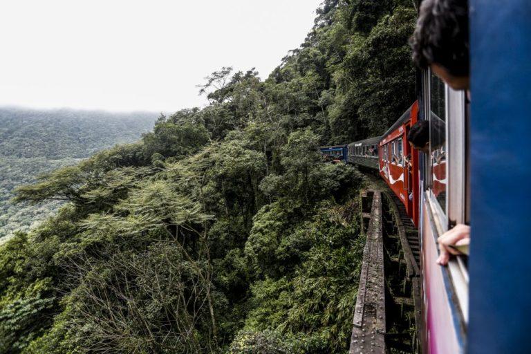 A ideia é que os participantes tenham uma experiência diferente do famoso passeio de trem. Foto: Henry Milleo/Gazeta do Povo.