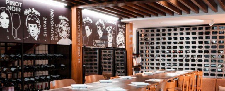 UpStairs, Wine Bar da Praça do Victor. Foto: Letícia Ueda/divulgação.