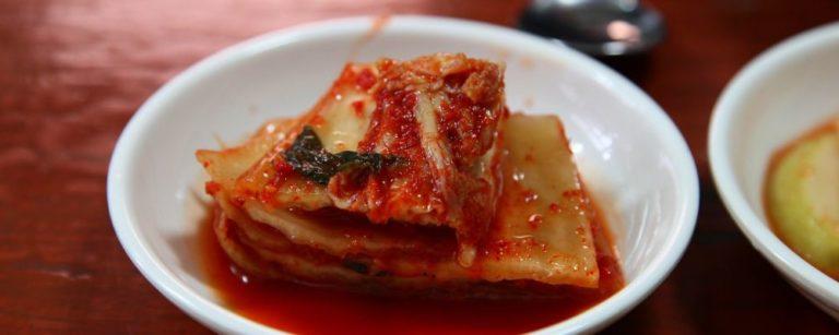 A acelga pode virar kimchi, uma conserva coreana apimentada. Foto: Divulgação