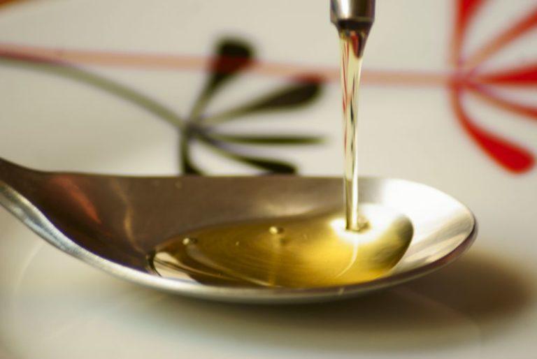 Azeite de oliva. Foto: Visualhunt/Reprodução