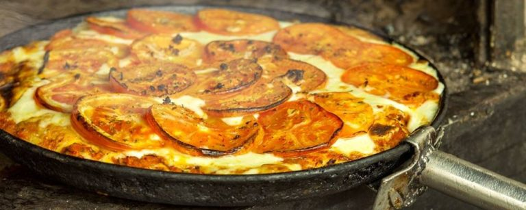 Pizza da piazziar Guerrin, em Buenos Aires. Foto: Divulgação.