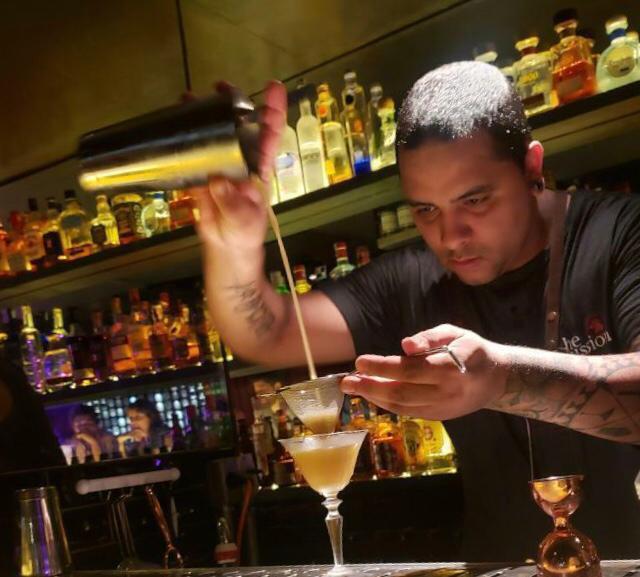 Alex Sepulchro, bartender do SubAstor. Foto: Divulgação