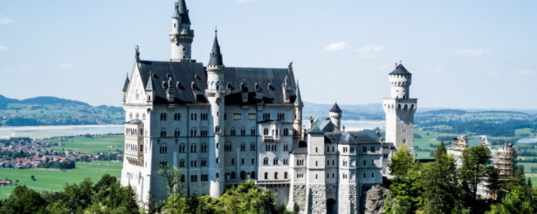 Castelo de Neuschwanstein, a cerca de 130km de Munich. Foto: Nikita Semerenko/ Unsplash