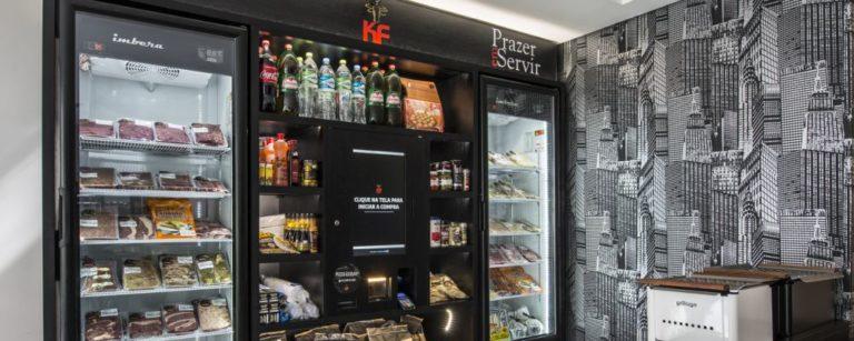 Sistema de autosserviço da KF Grill em condomínio de apartamentos em Curitiba. Foto: Letícia Akemi / Gazeta do Povo