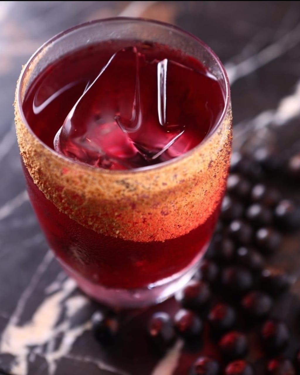 O drink Açaí, do SubAstor. Foto: Divulgação