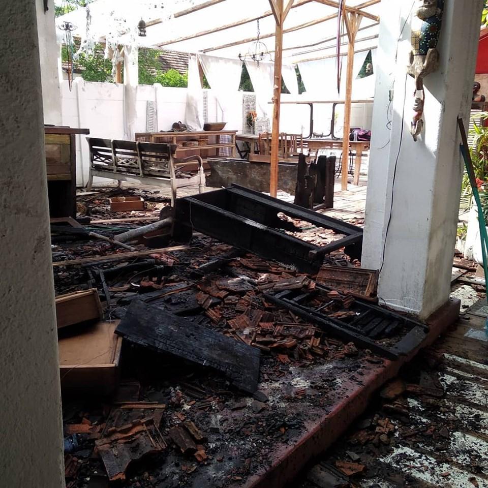 O restaurante Dedo de Moça, no imóvel da Av. Souza Naves, após incêndio. Foto: Reprodução/Facebook